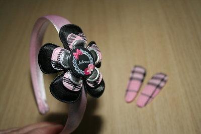 Set Haarband en 2 Kniphoesjes schotse ruit roze