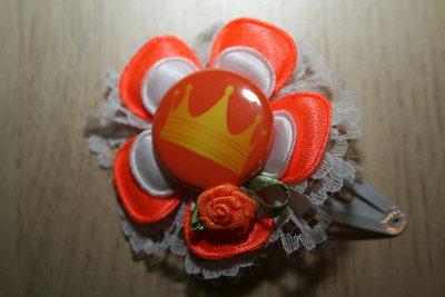 Haarclipje Kroon oranje/wit/rozet