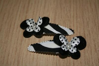 Haarclipje met kniphoesje en vlinder zwart/wit