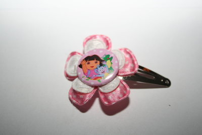 Haarclipje Dora roze-witte stip/witkant