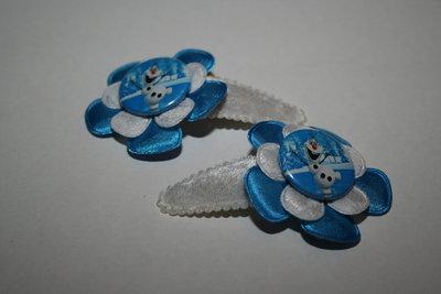 Haarclipje Frozen Olaf witfluweel/felblauw/witkant