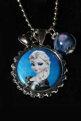 Ketting Frozen Elsa met zwarte jurk