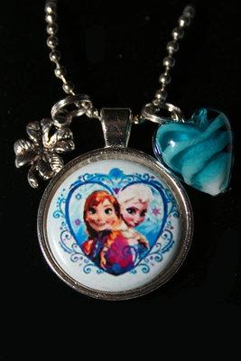 Ketting Frozen Elsa en Anna in hart