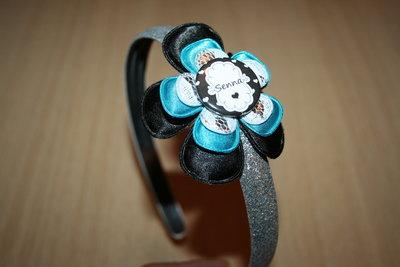 Brede Haarband met Naam zwart/neonblauw/wit