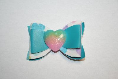 Leren haarstrik blauw/hartjesprint gekleurd hart