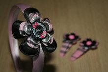 Set Haarband en 2 Kniphoesjes schotse ruit roze/zwart